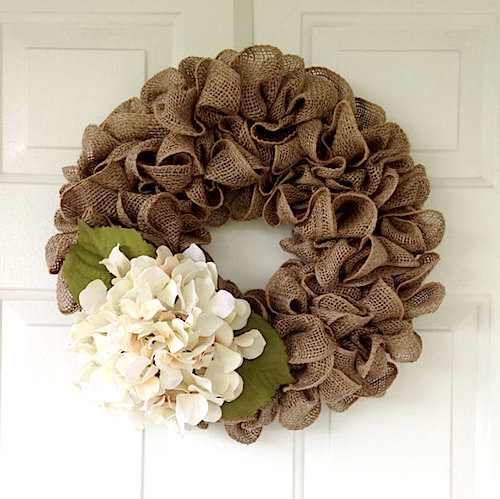 Simple burlap wreath tutorial video for What to make with burlap