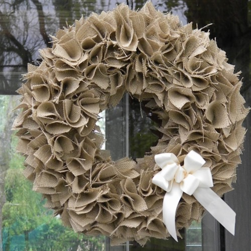 How to make a swatch burlap wreath video Making wreaths