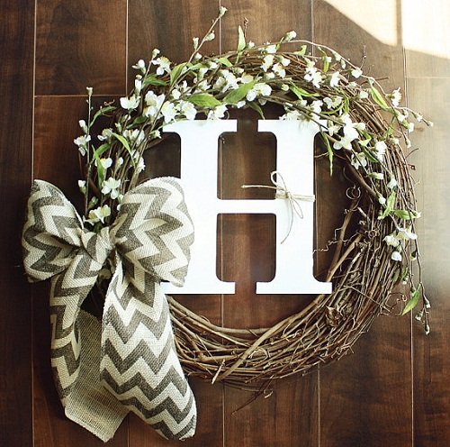 How to Make a Grapevine Wreath (Video)