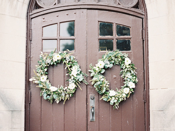 DIY Autumn Wedding Ceremony Wreaths (Video)