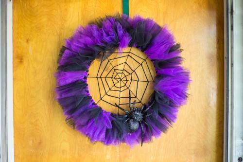 Halloween spider wreath