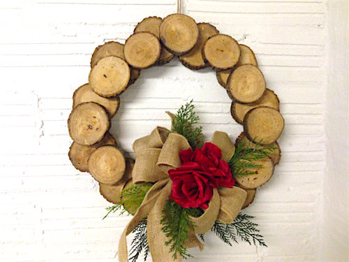 wood slice wreath tutorial