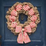 How to Make a Christmas Burlap Wreath