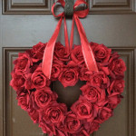 How to Make a Romantic Valentine Roses Wreath