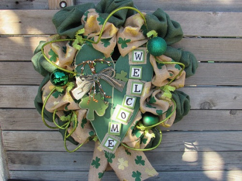 How to Make a St Patricks Shamrock Burlap Wreath