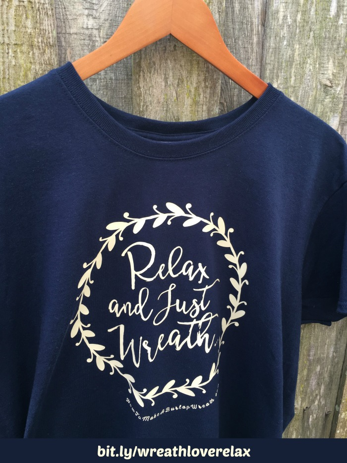 Wreath Love Tshirts Relax