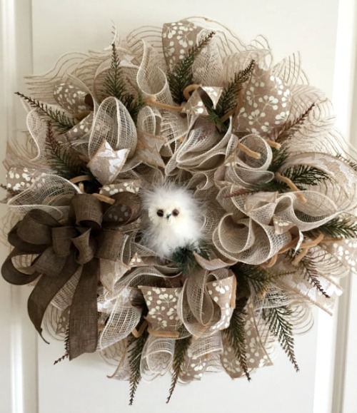 how to make burlap and mesh wreaths - How To Decorate A Staircase For Christmas With Deco Mesh