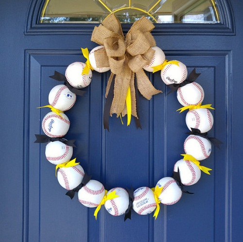 baseball-party-ideas-summer-wreaths