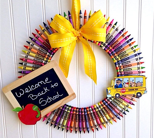 How to Make a Teacher's Back to School Wreath
