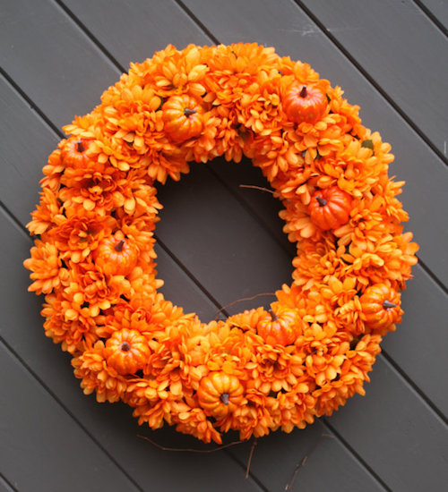 halloween-decorations-orange-wreath