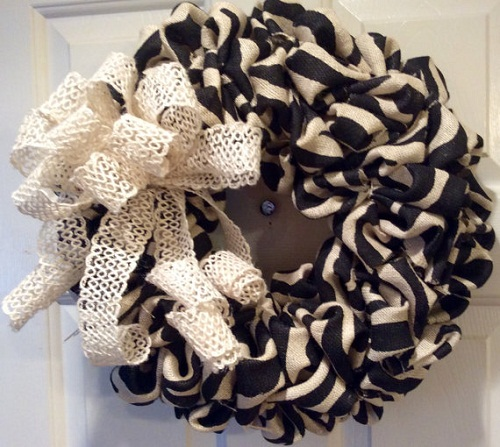 halloween_decorations_wreath_making_materials