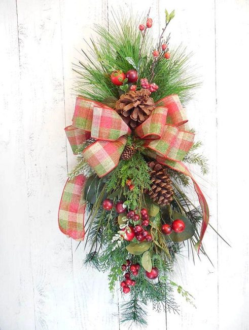 how to make a christmas swag door wreath - Christmas Swag Decorations