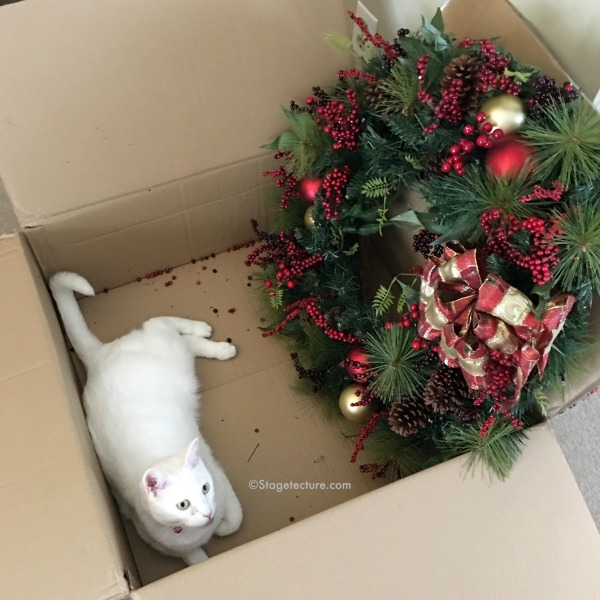 christmas-wreath-delivery-snow-cat