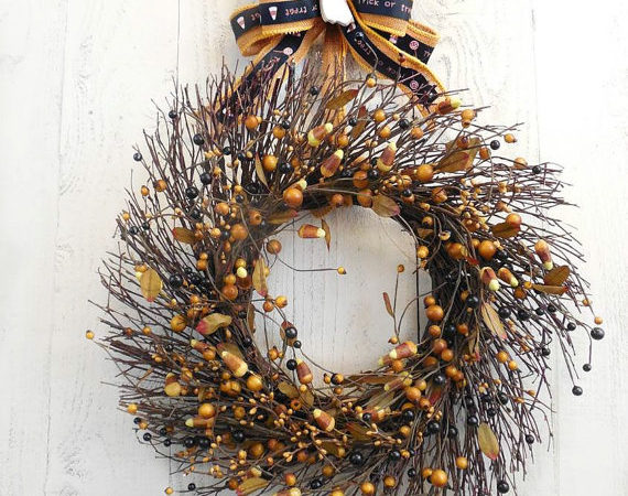 How to Make a Cute Halloween Wreath