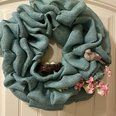 How to Decorate Your Burlap Wreath